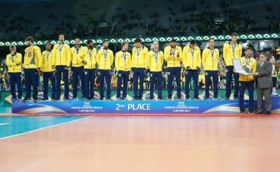 Presente em mais uma final, seleção brasileira é superada e fica com a medalha de prata