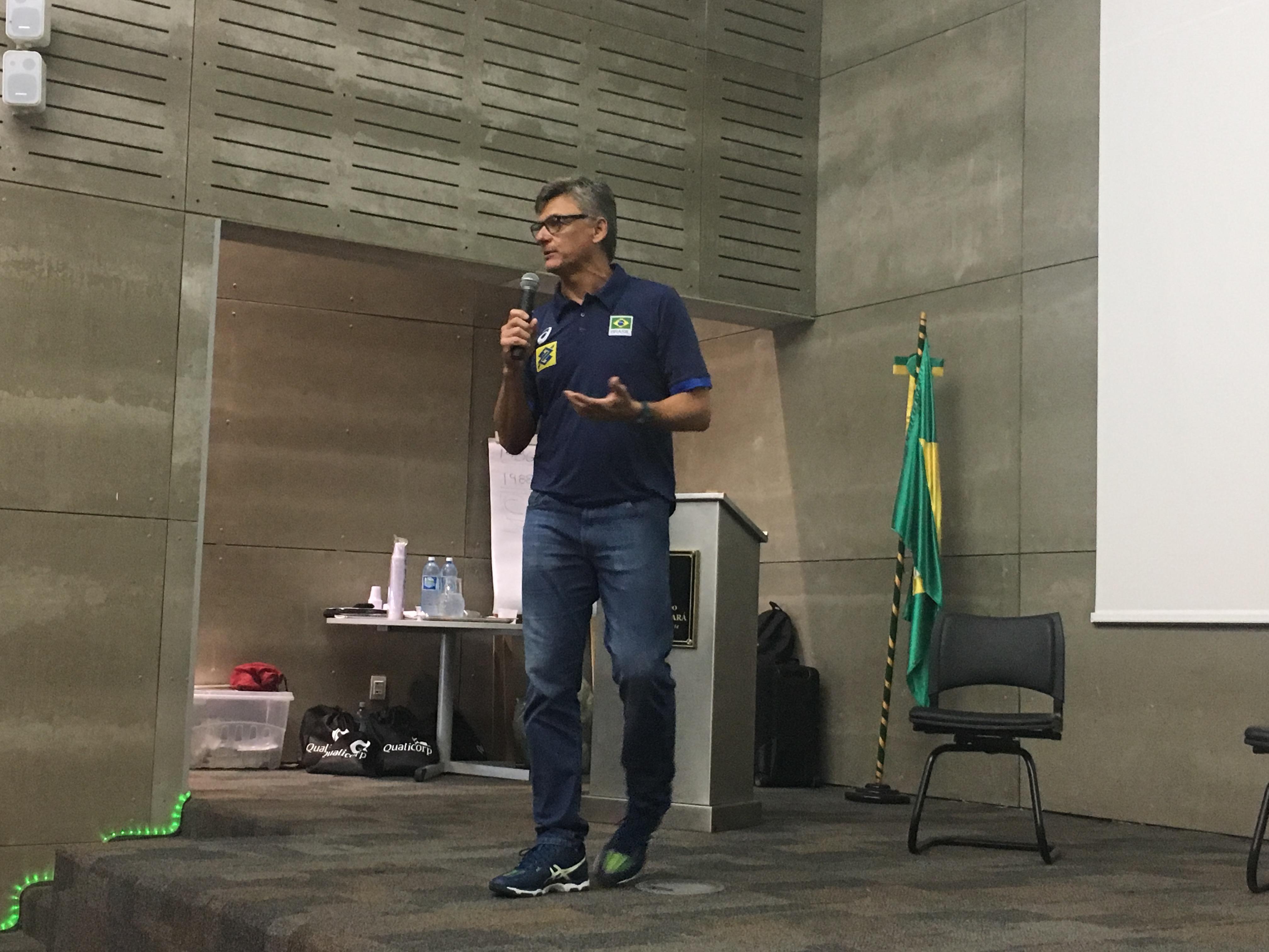 Primeira edição do Seminário Interdisciplinar de Voleibol é sucesso em Fortaleza