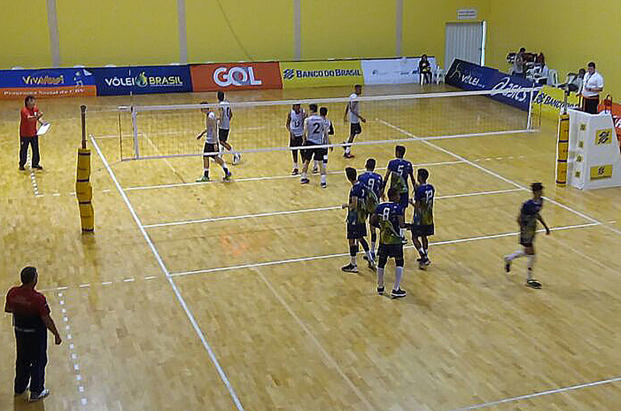 Primeiro dia de competição contou com oito jogos no CDV