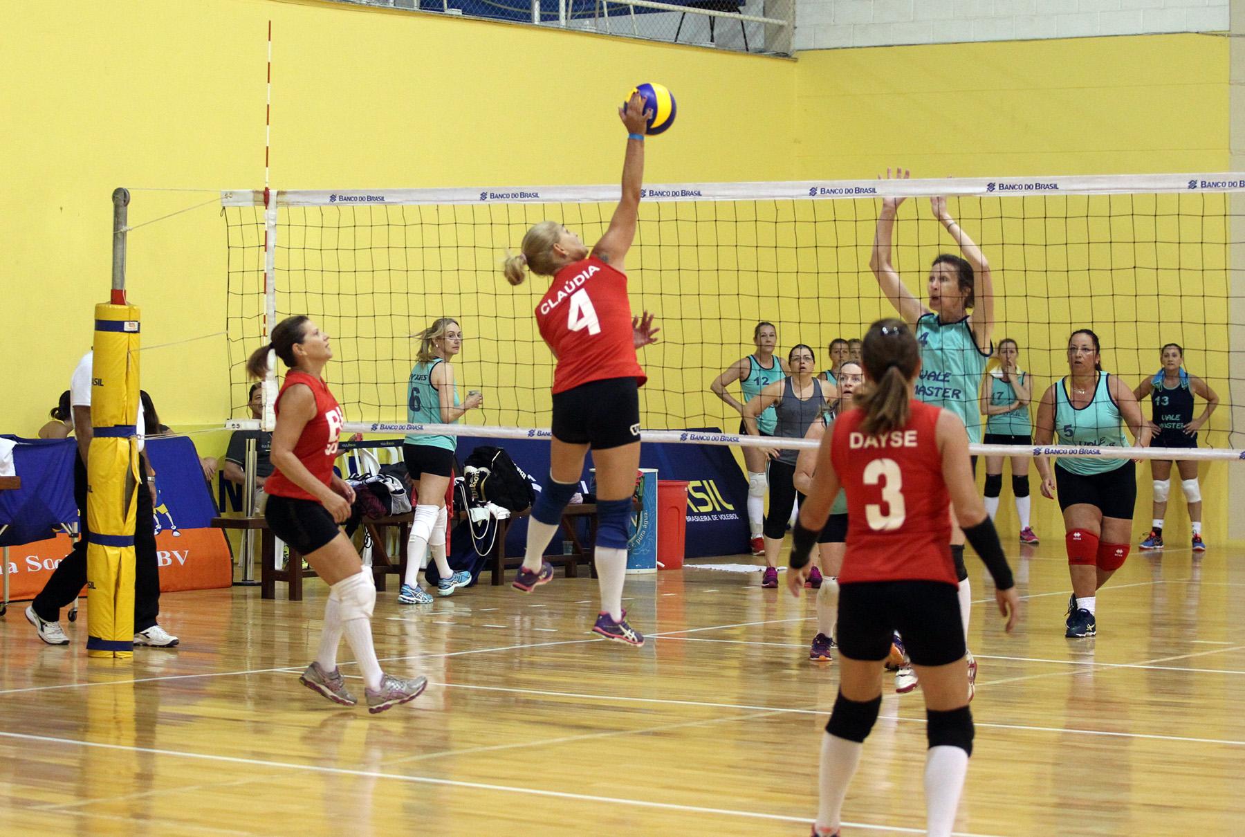 Primeiros jogos da temporada 2017 agitam CDV em Saquarema
