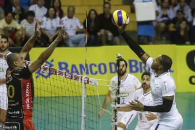 Sada Cruzeiro vence Vôlei Brasil Kirin e abre 2 a 0 na série
