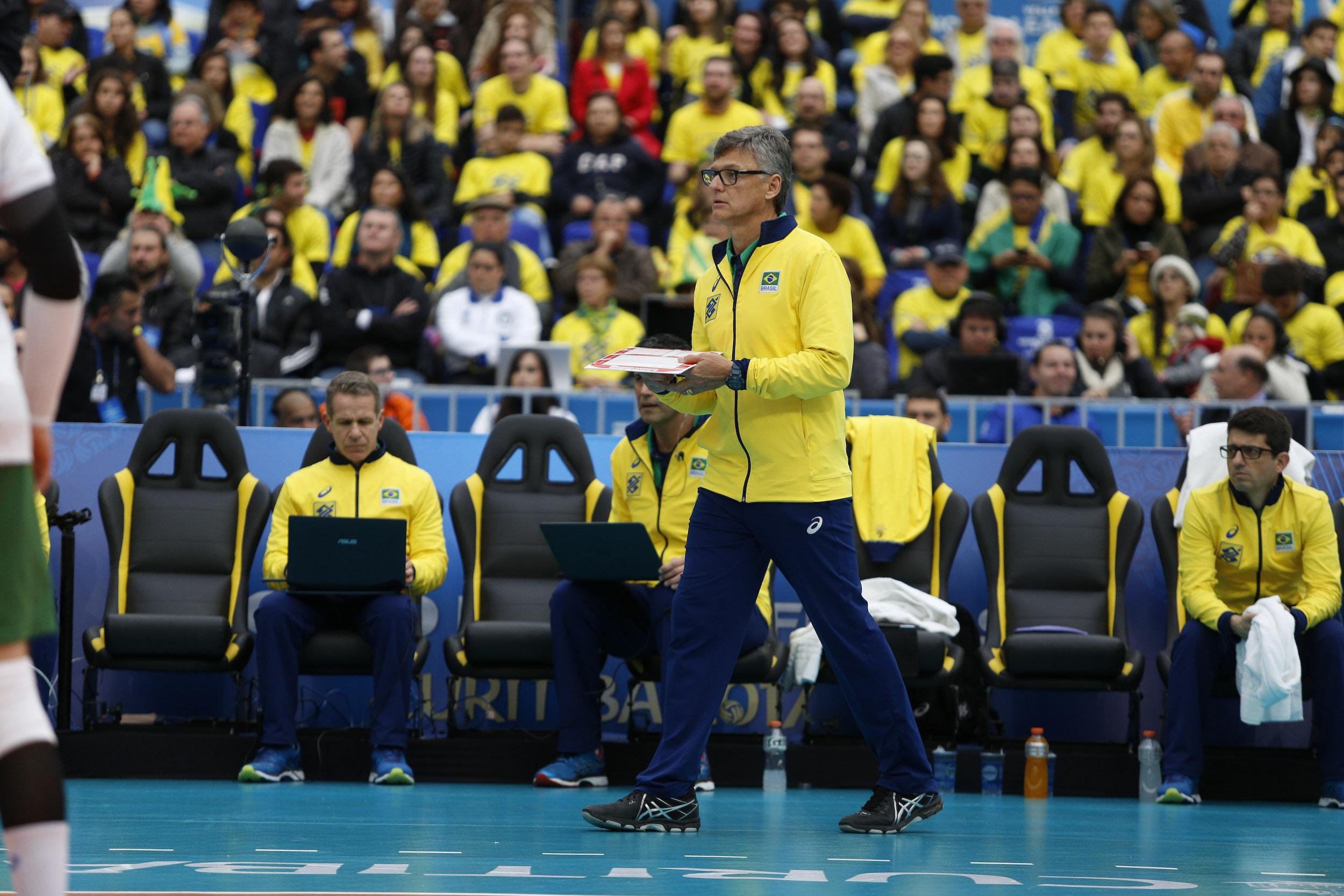 Seleção brasileira enfrenta a Rússia nesta quinta-feira