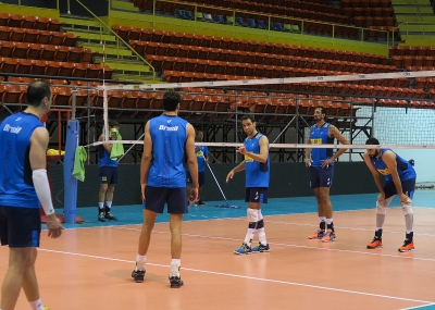 Seleção brasileira faz primeiro treino na Argentina