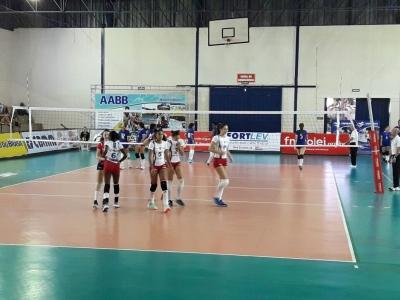 Seleções de Minas Gerais e Paraná decidem o título em Araxá (MG)
