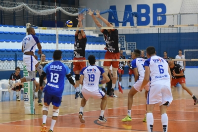 Upis e Botafogo abrem as quartas de final neste domingo