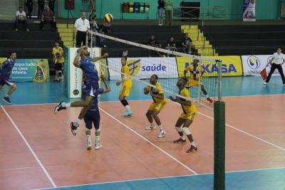 Vôlei Ribeirão Preto e Vôlei Um Itapetininga estreiam com vitória
