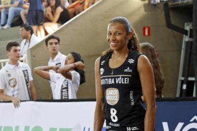 Campeã olímpica é trunfo do Curitiba Carob House/CMP na busca pelo título