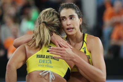 Maria Elisa e Carol Solberg ficam com a medalha de prata na etapa da Holanda