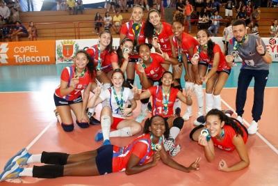 Minas Gerais vence donas da casa e leva o título em Curitiba