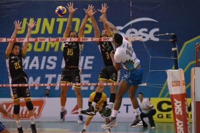 Montes Claros Vôlei joga no Rio de Janeiro e bate o Sesc RJ