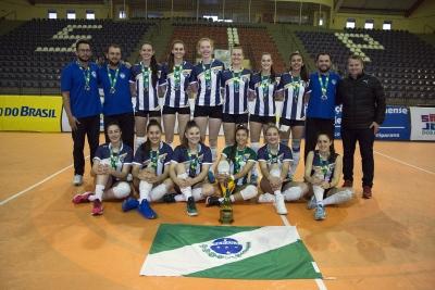 Paraná conquista o título em casa