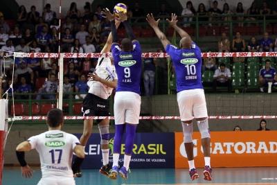 Sada Cruzeiro vence Corinthians-Guarulhos e assume a liderança