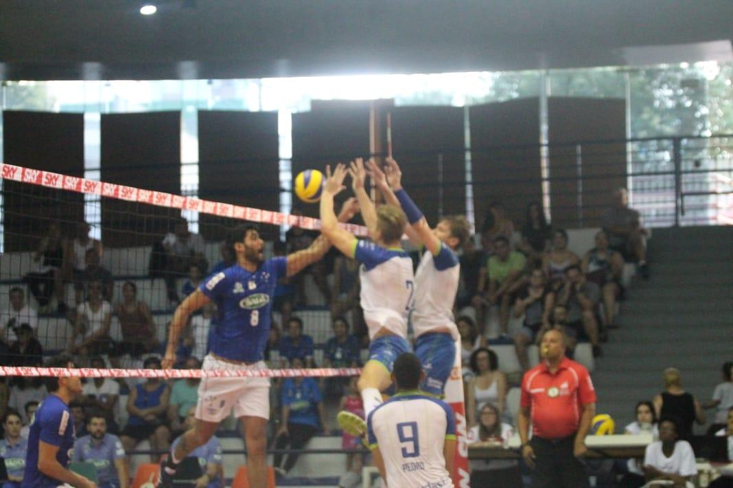 Sada Cruzeiro vence e assume a liderança do campeonato