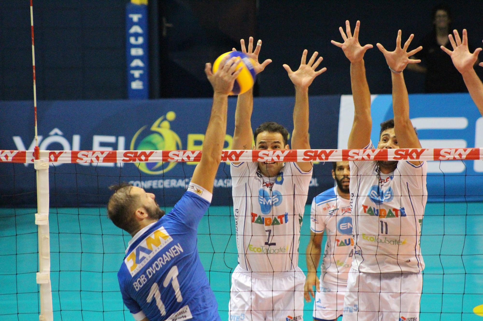 Sesc RJ, Sada Cruzeiro e EMS Taubaté Funvic estão nas semifinais
