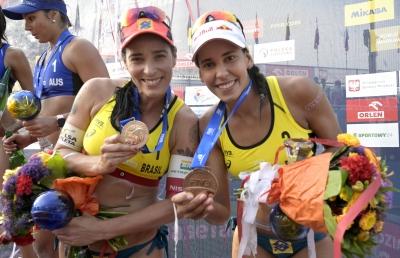 Ágatha e Duda levam a medalha de bronze na etapa quatro estrelas de Varsóvia