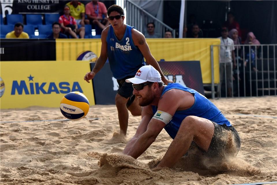 Alison e Álvaro Filho avançam para a semifinal em Kuala Lumpur