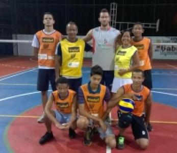 Alunos do núcleo Canavieiras (BA) encontram atleta do Brasil Kirin
