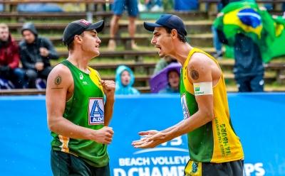 André e George ficam nas quartas e Brasil se despede da competição em Hamburgo