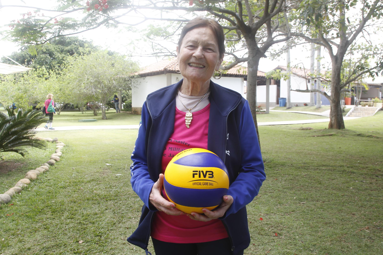 Aos 81 anos, Dona Diva é uma das estrelas do Vôlei Master 2019