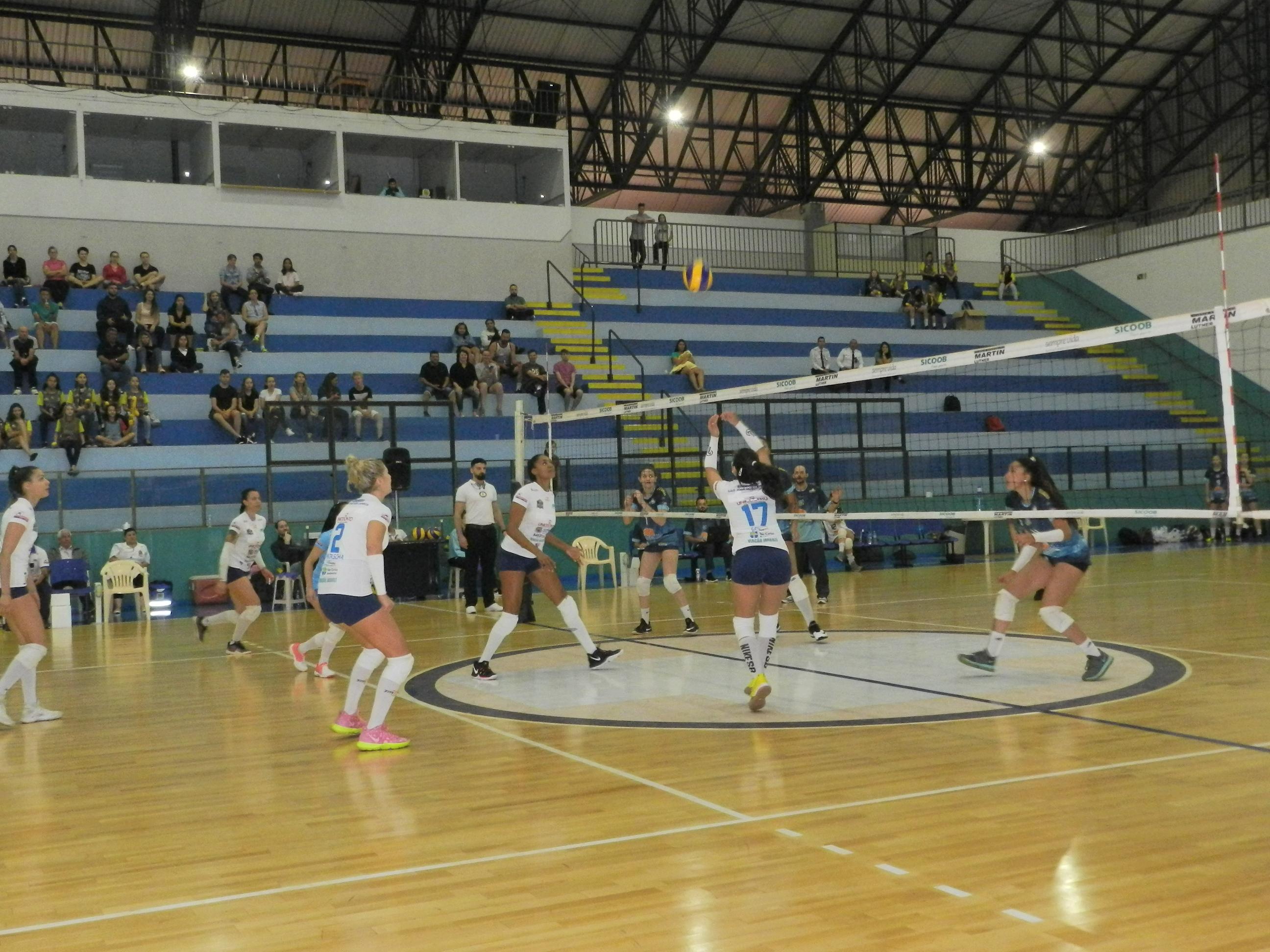 Atacadão/Agee (SP) e ACV/PMC/Chape/Uno (SC) vencem e vão à Superliga B