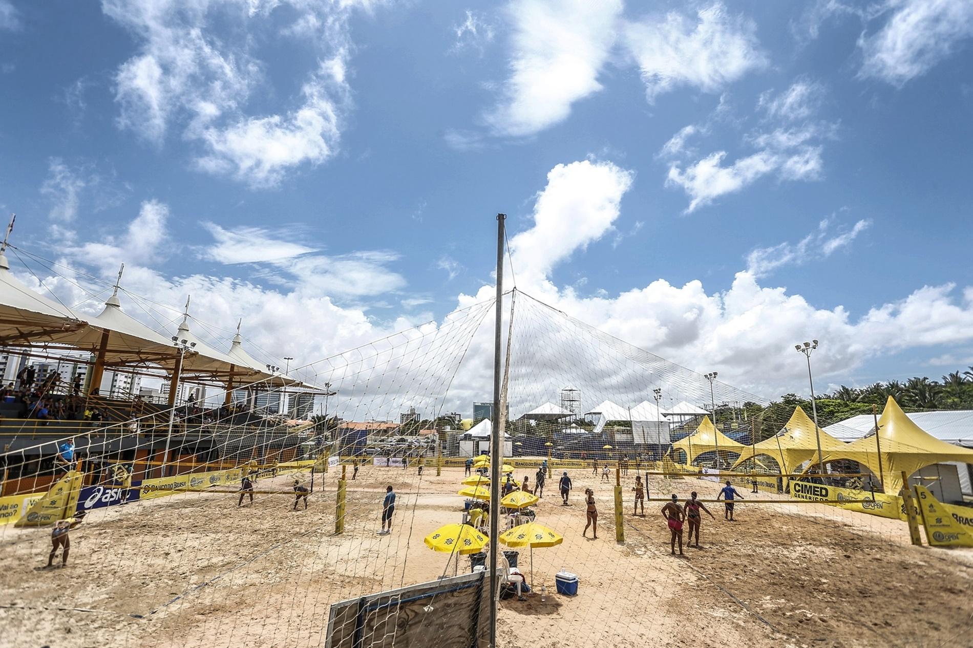 Atleta mais experiente e brasileira radicada nos EUA avançam em São Luís (MA)