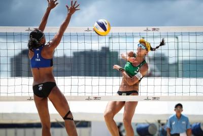 Brasil avança com cinco duplas às oitavas de final da etapa de Tóquio no feminino