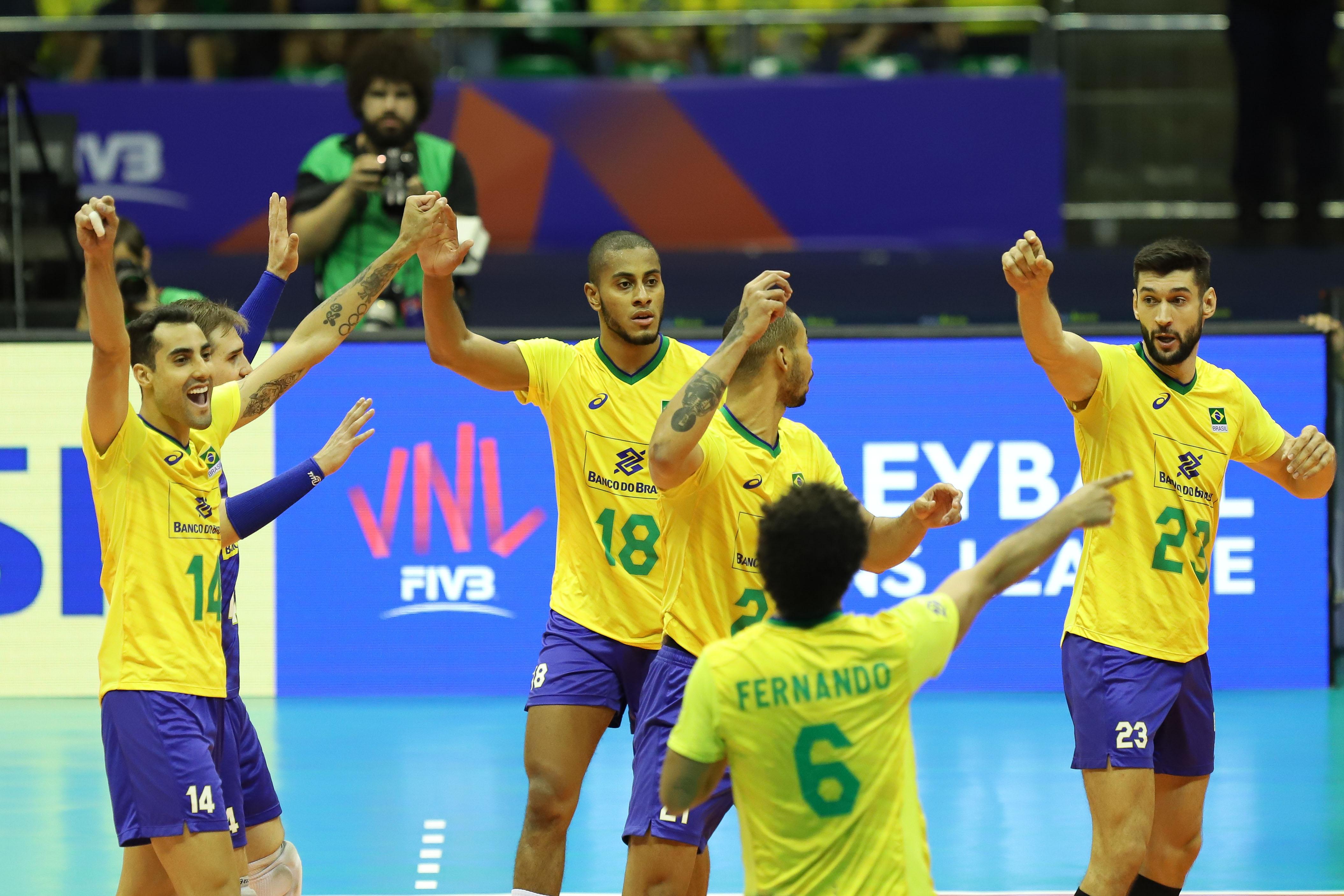 Brasil bate o Canadá por 3 sets a 0