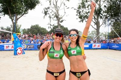 Brasil domina e avança com três duplas às semifinais femininas em Viena