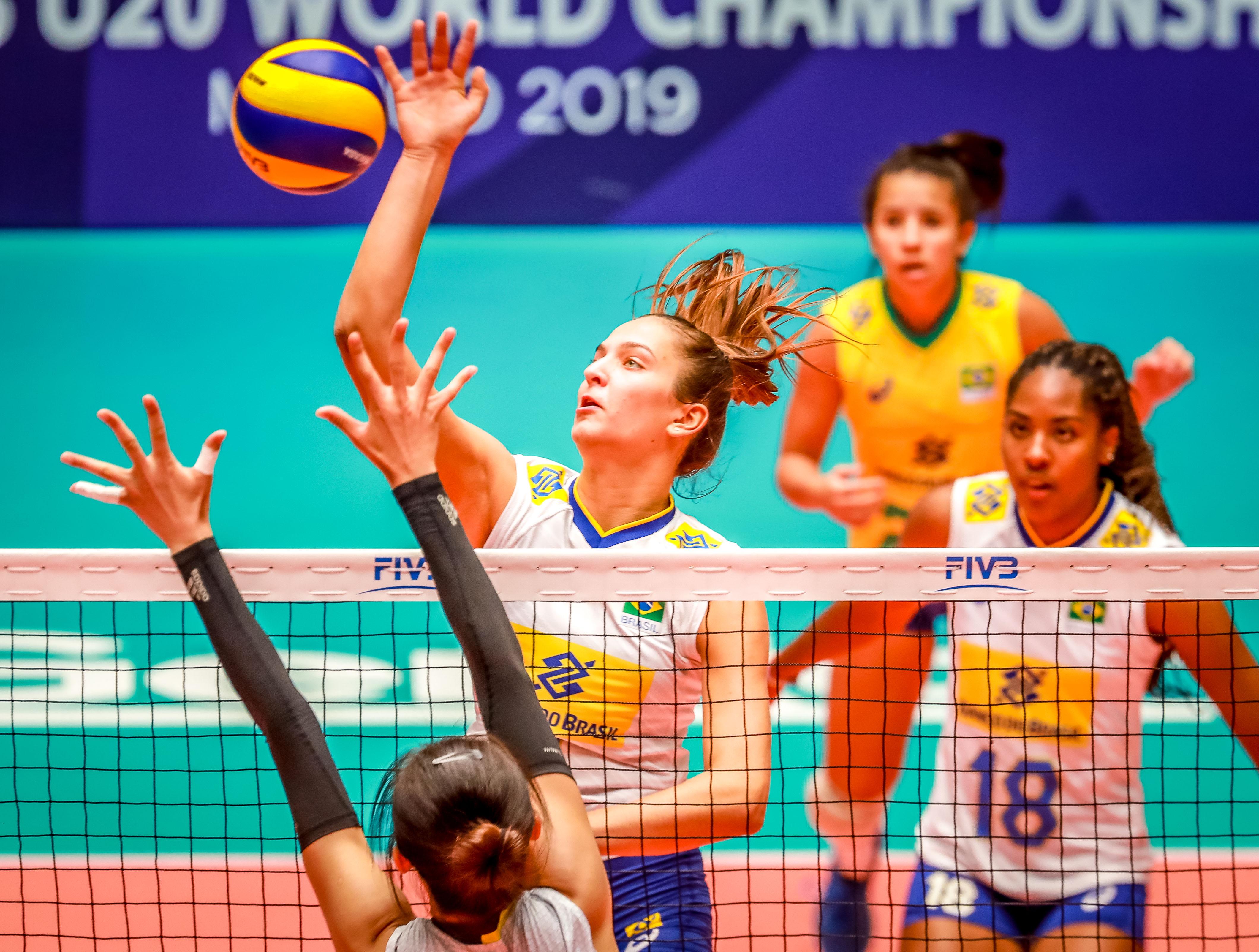Brasil é superado pela China no quinto set