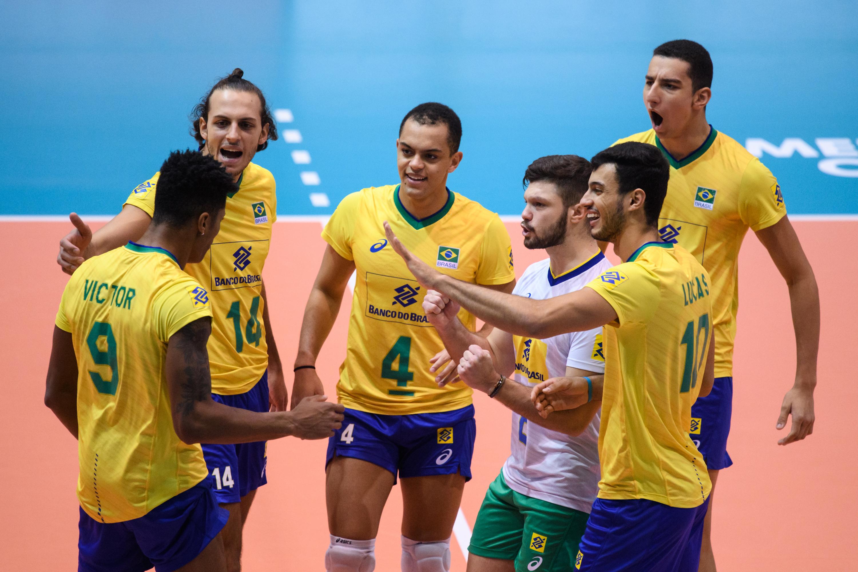 Brasil estreia com vitória contra a Polônia