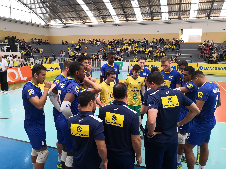 Brasil estreia com vitória sobre o São José Vôlei no Desafio Internacional