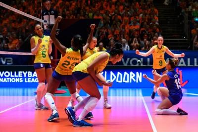 Brasil estreia na segunda semana com vitória sobre a Holanda