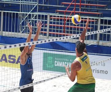Brasil larga com vitórias e nove duplas invictas em Camaçari (BA)