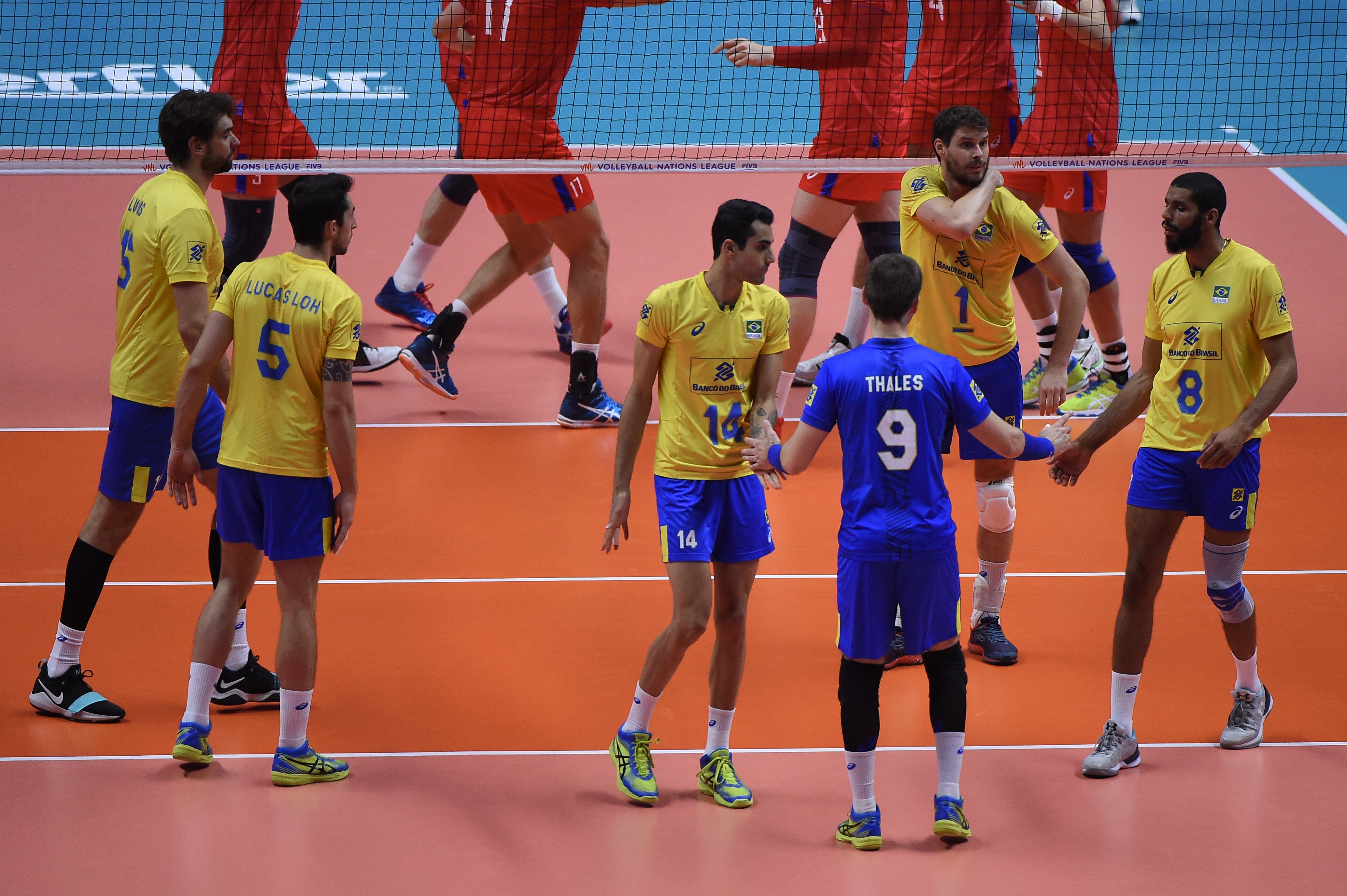 Brasil treina sob o comando de Renan