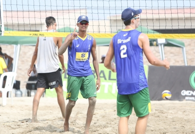 Brasil vai à final no masculino e semi no feminino em Lima