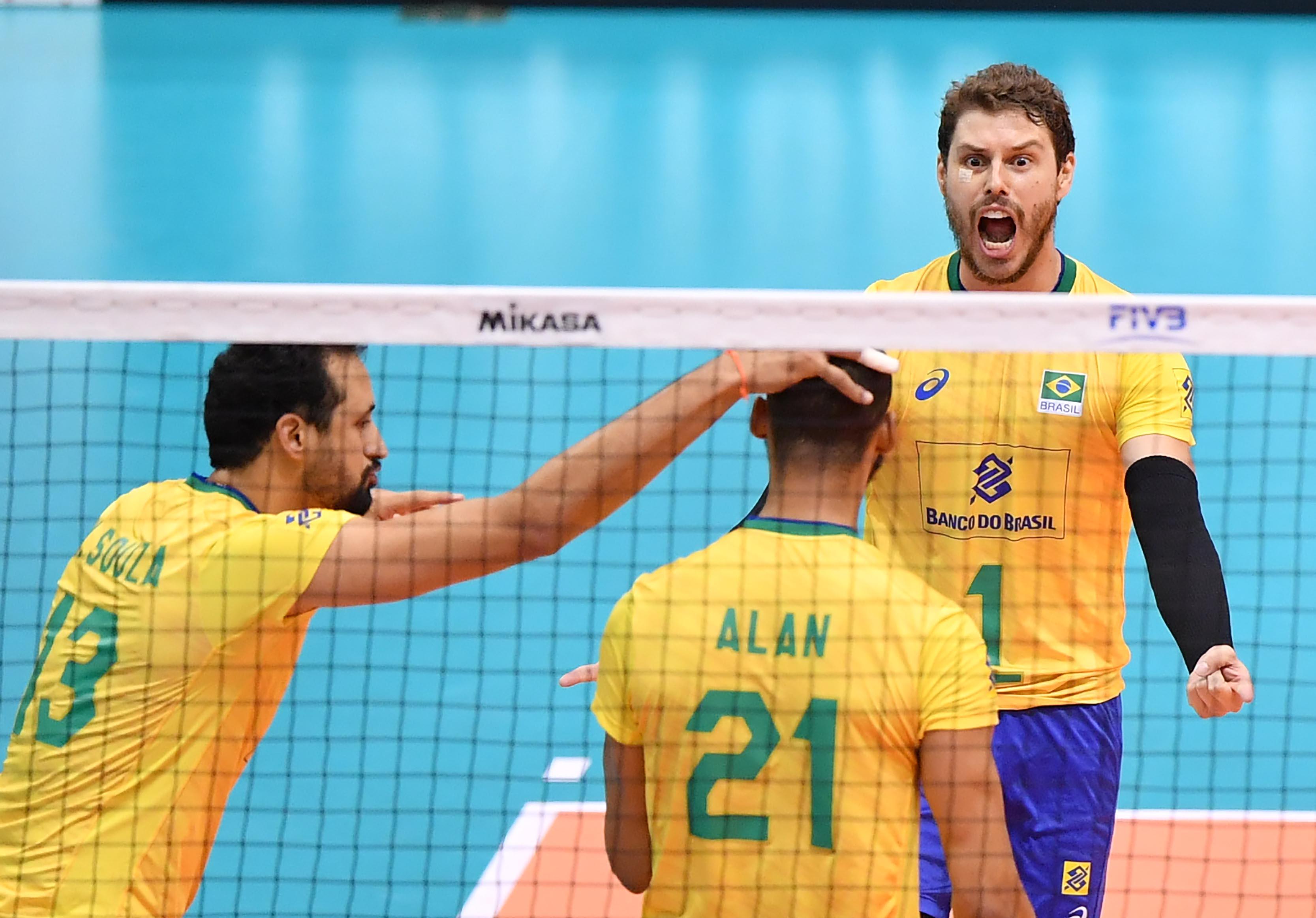 Brasil vence a Rússia por 3 sets a 0