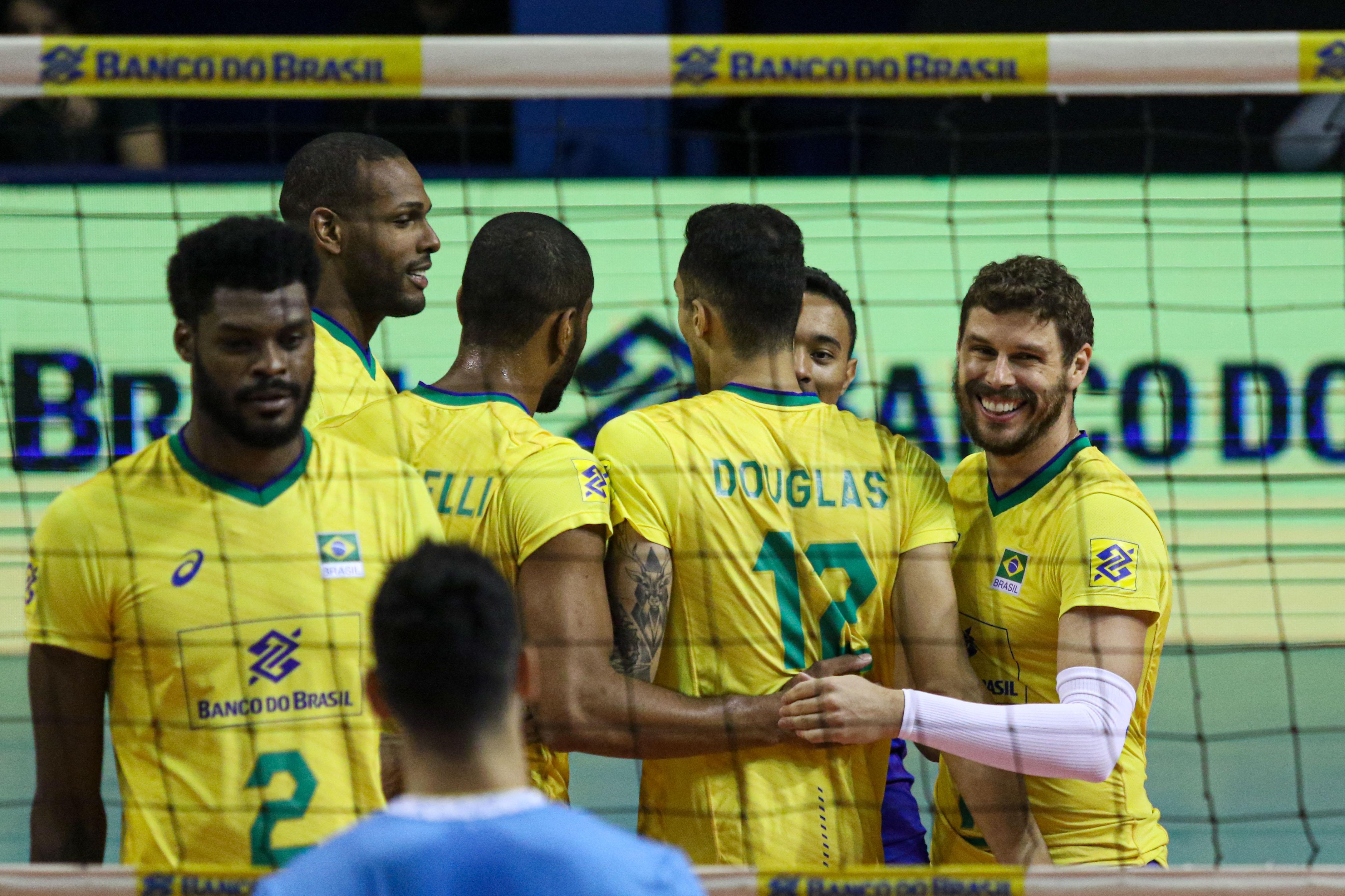 Brasil vence mais uma e encerra a série com três vitórias