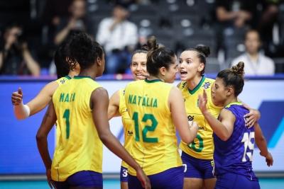Brasil vence Sérvia e se aproxima da fase final