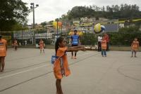Campeã olímpica Fabi visita núcleo de Rio das Pedras (RJ) nesta quinta-feira