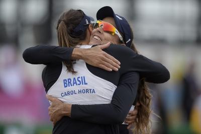 Carol Horta/Ângela vence mexicanas e garante vaga nas quartas de final