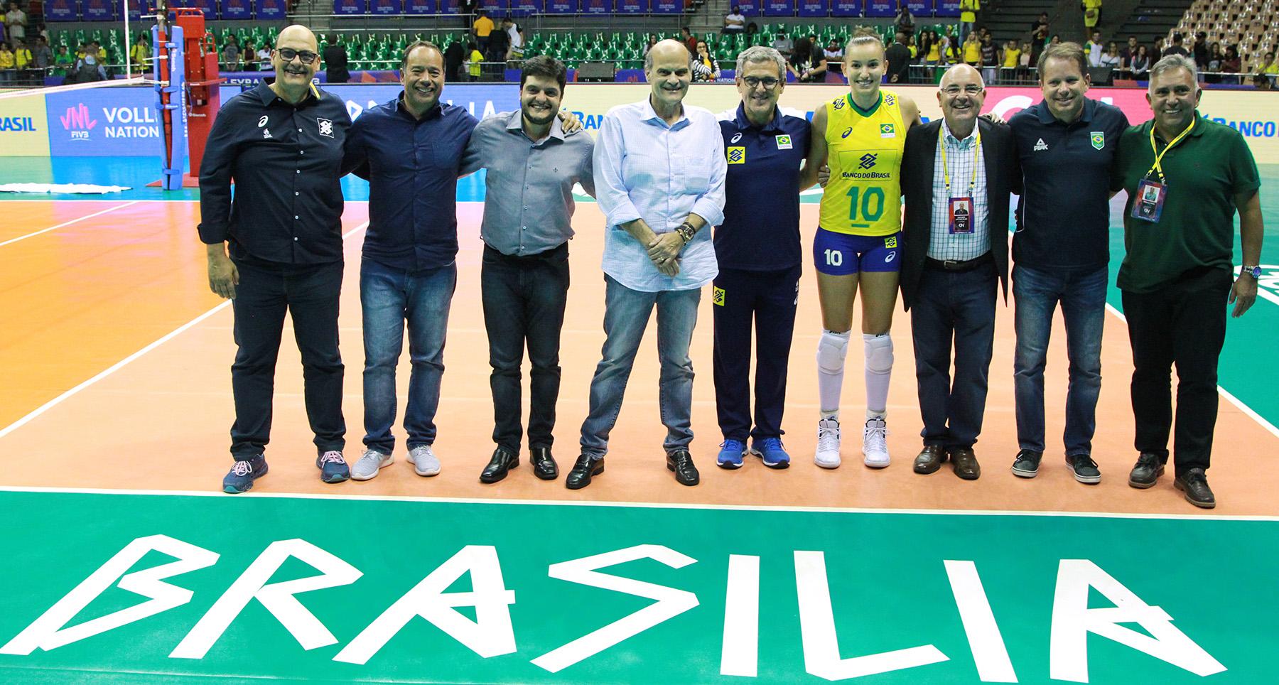 CBV e GDF firmam acordo para Brasília receber seleções até 2022