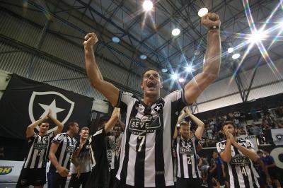 Com mescla entre juventude e experiência, Botafogo conquista vaga na elite