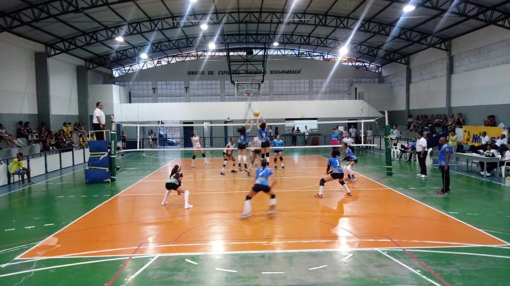 Competição tem início em Domingos Martins com quatro duelos