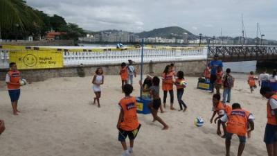 Crianças do Núcleo do Morro da Formiga encontram atleta olímpica na Urca