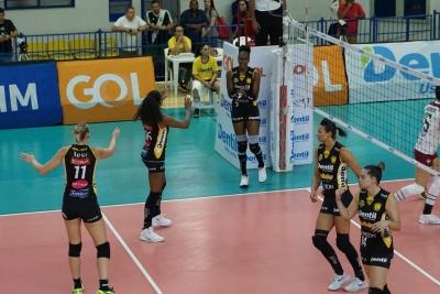 Dentil/Praia Clube e Sesc RJ duelam nesta quarta-feira