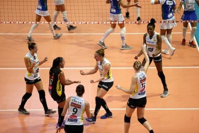 Dentil/Praia Clube vence Itambé/Minas pela primeira vez na temporada