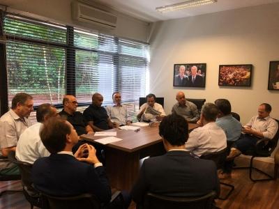 Dirigentes da CBV fazem visita a Campo Grande
