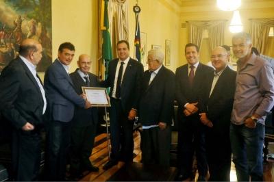 Dirigentes participam de homenagem em Recife