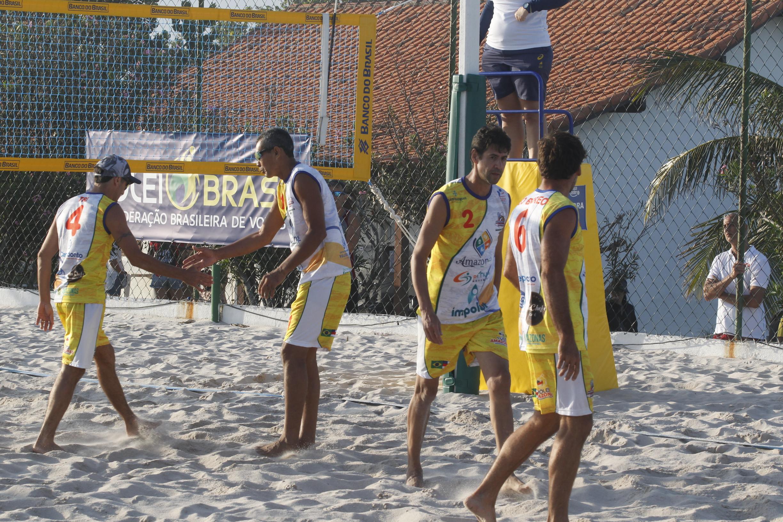 Distantes 4.300 km de casa, Master Voleibol Amazonas busca bicampeonato no quarteto 45+
