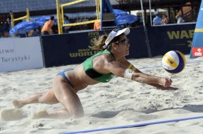 Duplas brasileiras do feminino vão às oitavas de final e repescagem em Varsóvia